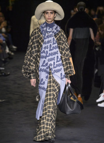 elle-pfw-fw17-collections-loewe-29-imaxtree_1