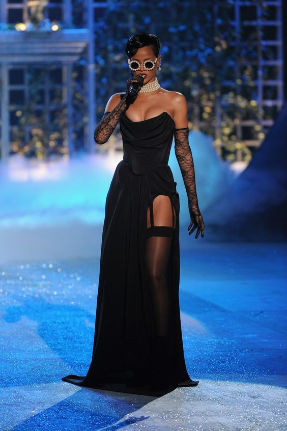 OUR TOP 5 VICTORIA'S SECRET SHOW PERFORMANCES