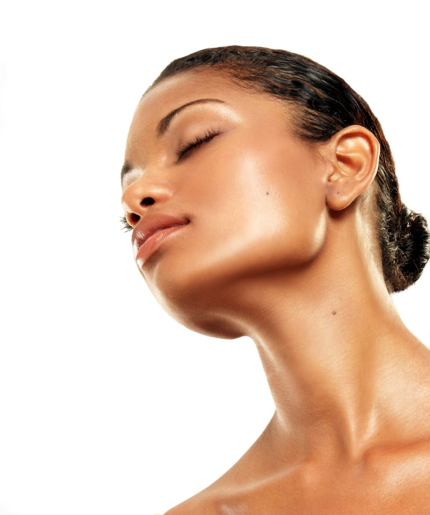 GIVE YOUR SKIN A GLOW UP THIS DRY SEASON WITH NATURAL BODY OILS