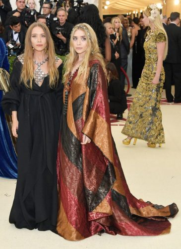 MARY KATE AND ASHLEY OLSEN - Copy