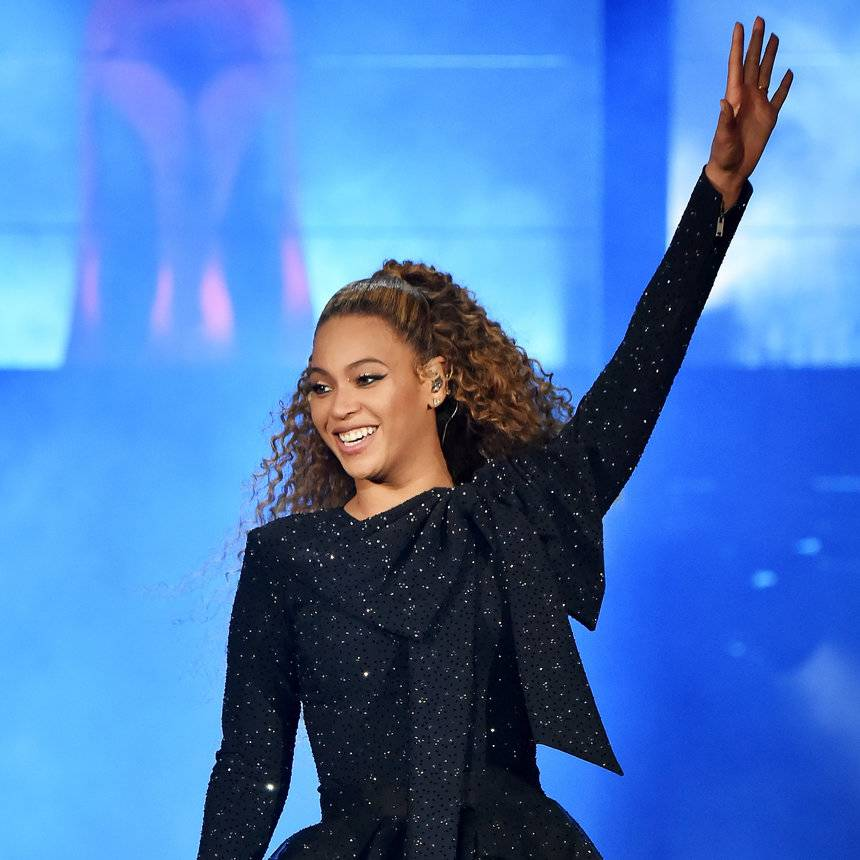 BEYONCÉ CONTINUES TO SERVE US EPIC LOOKS FROM HER 'ON THE RUN II' TOUR