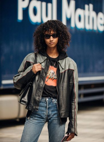 00019-lfw-street-style-ss19-preview-vogue-int-14sept-credit-jonathan-daniel-pryce