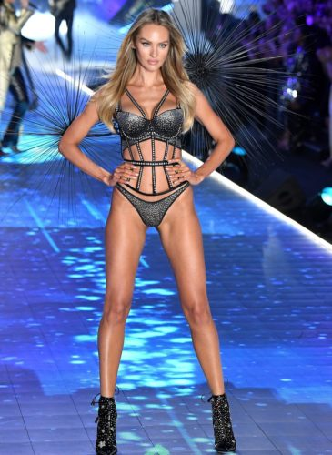 candice-swanepoel-walks-the-runway-during-the-2018-news-photo-1059371444-1541732317