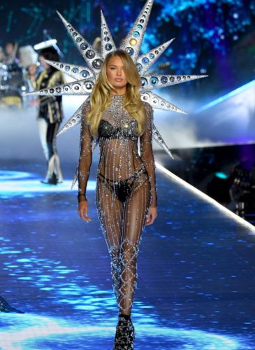 romee-strijd-walks-the-runway-during-the-2018-victorias-news-photo-1059371520-1541733434