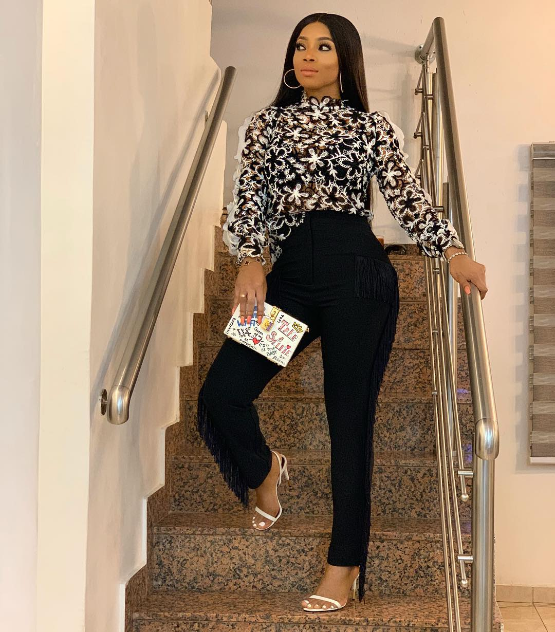 TOKE MAKINWA IS A MEGA BABE IN SELF PORTRAIT